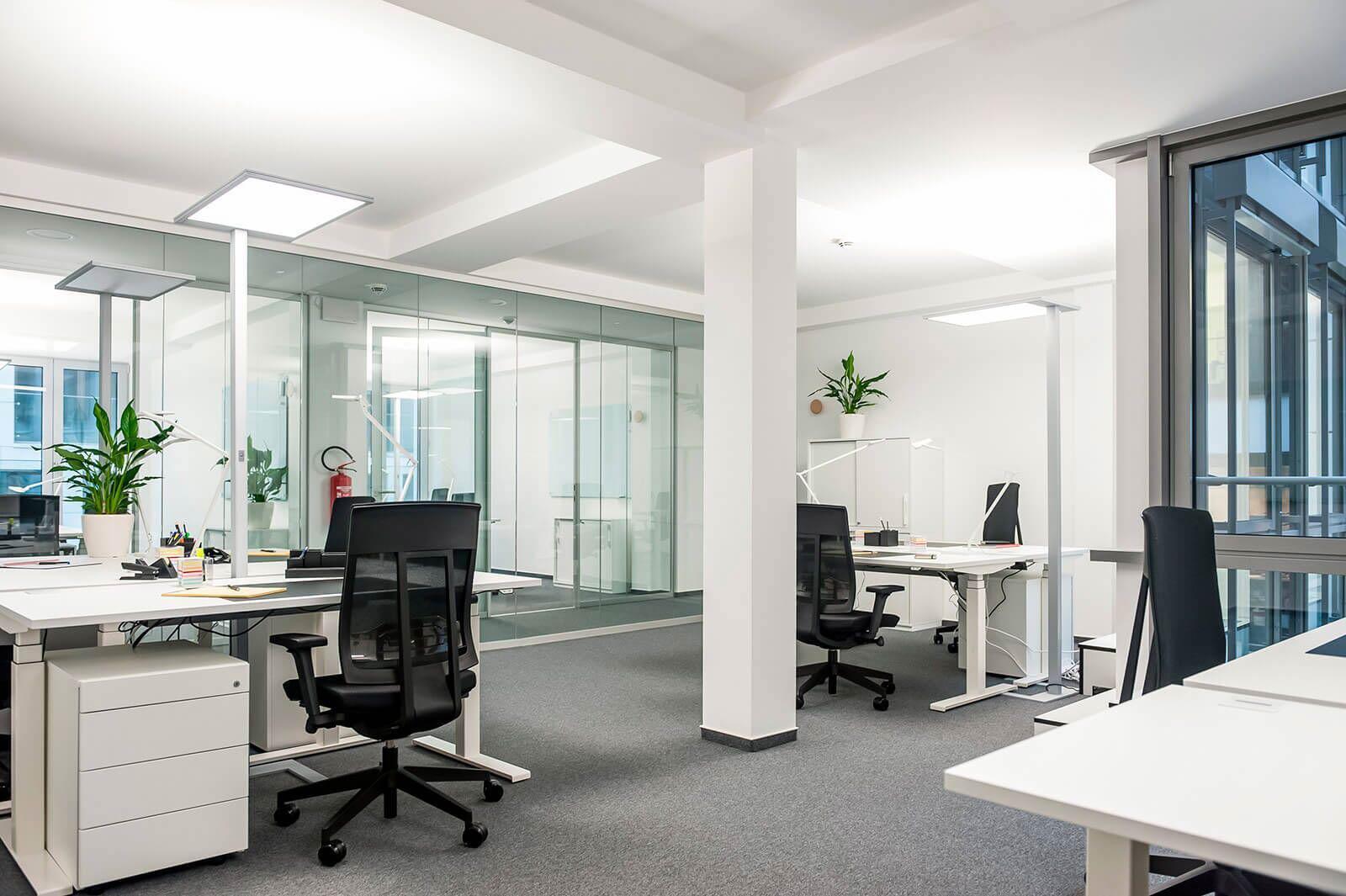 Düsseldorf Team-Büro groß